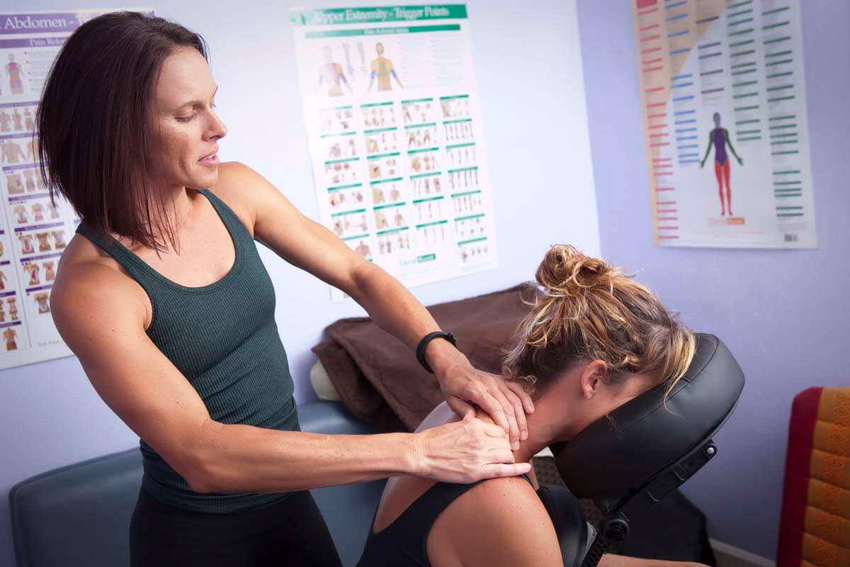 4 Benefits of Massage for Weight Training